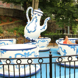 Family riding Tea Cups Ride at Hersheypark