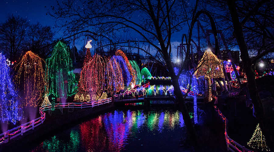Christmas light reflecting off the water at Hersheypark